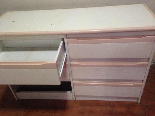 Usados: gavetero + peinadora + mesa de noche + espejo +banco