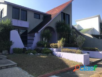 Casa en venta en Altos de Guatapàro, Valencia, Carabobo, Enmetros2, 19 04001, ASB