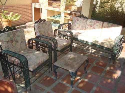 Juego de muebles de jardin metàlico y cojines impermeables