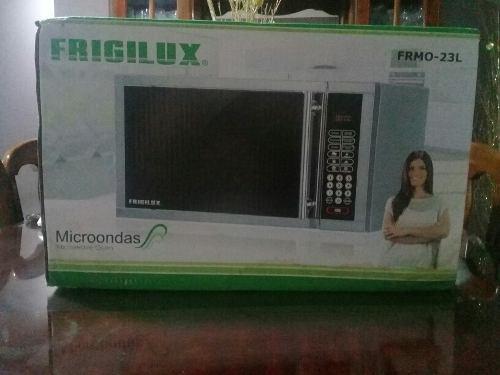 Horno Microondas Frigilux Tipo Espejo De 23 Litros Nuevo