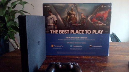 Playstation 4 slim de un 1 tb