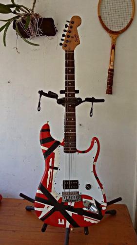 Fender squier bullet strat con micrófono eddie van halen