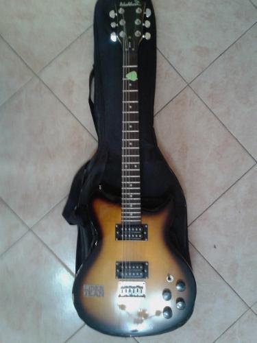 Guitarra eléctrica washburn, con forro y amplificador