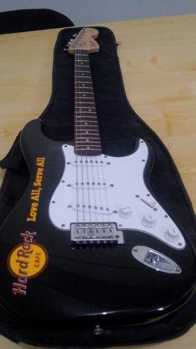 Guitarra electrica squier fender con su forro