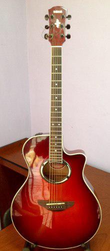 Guitarra electroacustica yamaha apx500 con su guinda