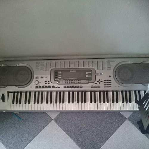 Vendo teclado casio 3500 wk de alta gama profesional 8000000