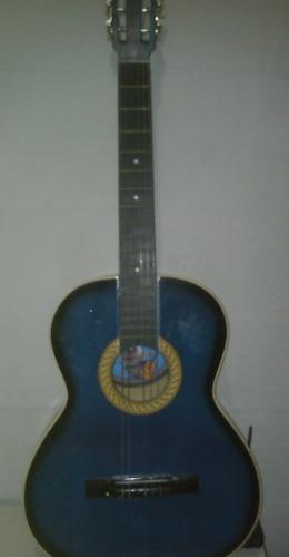 Guitarra clasica con forro