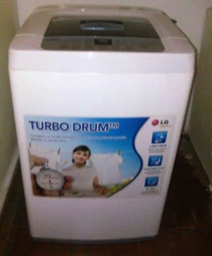 Lavadora automatica l.g. 7 kg. como nueva.