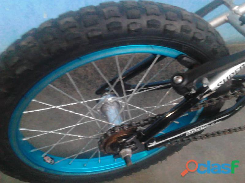 Bicicleta rin 16 de aluminio marca **boscan**