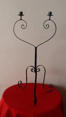 Candelabro de 2 velas en forma de corazon -hierro forjado