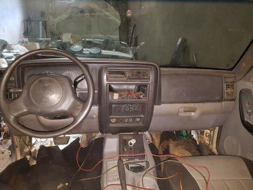 Repuestos para jeep cherokee xj 98 al 2001