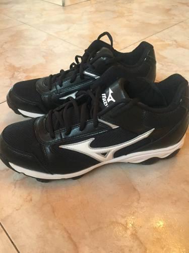 Zapatos tacos de beisbol mizuno talla 10.5 nuevos