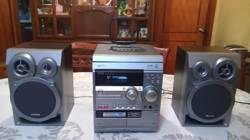 Potente equipo sonido aiwa 3 cd/ radio/ auxiliar c/control