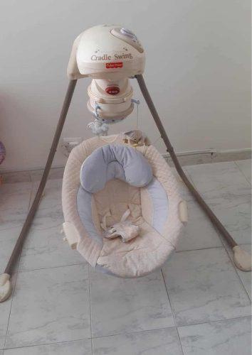 Vendo silla mesedora con música para bebés