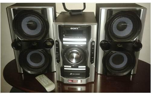 Equipo de sonido sony mhc-ec77 con control remoto (20 usd)