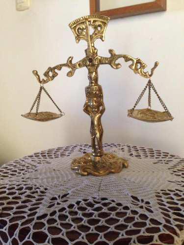 Balanza De La Justicia En Bronce