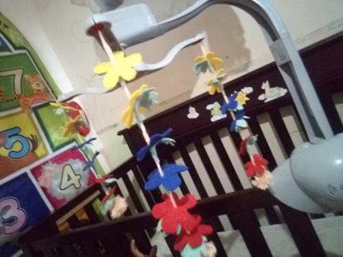 Movil musical vibra luces bebe cuna corral flor de venezuela