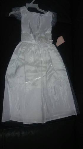 Vestidos nuevos de primera comunión o de fiesta