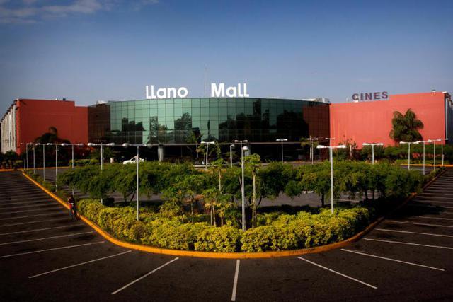 Alquiler de local comercial en llano mall acarigua