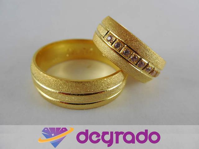 Aros de boda en oro y plata