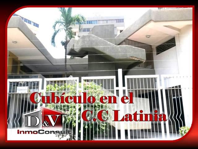 Cubículo en el c.c latinia plc (alquiler)