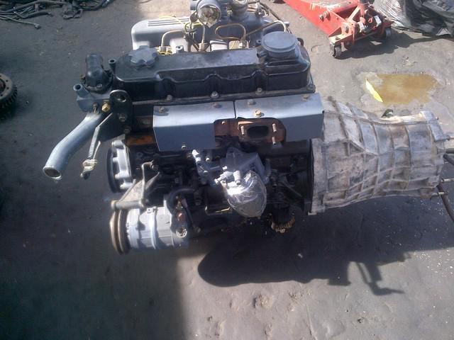 Motor y caja de nissan terrano
