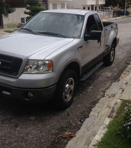 Se vende camioneta ford pickup f4x4