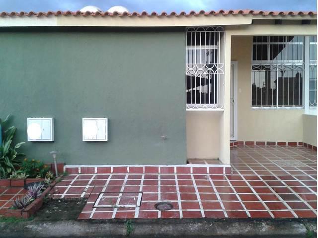 Casa urbanización la rosaleda, sector tipuro palma real