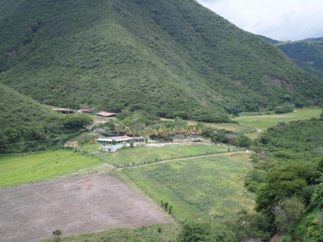 Hacienda en venta vía rio claro en barquisimeto