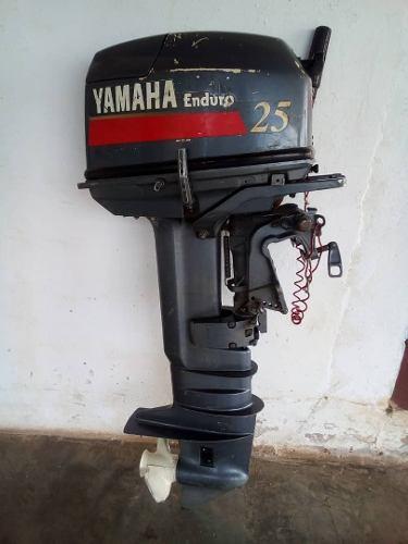 Motor yamaha 25 fuera de borda