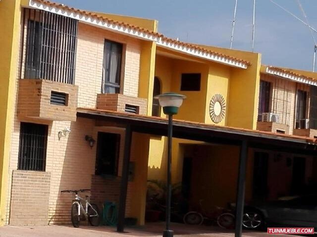 Town house villas iñaki el rincon