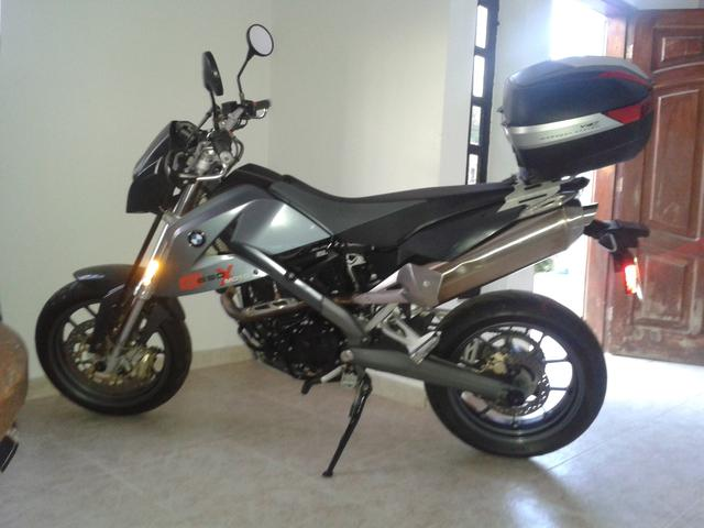 Vendo moto bmw año 2007, modelo gx