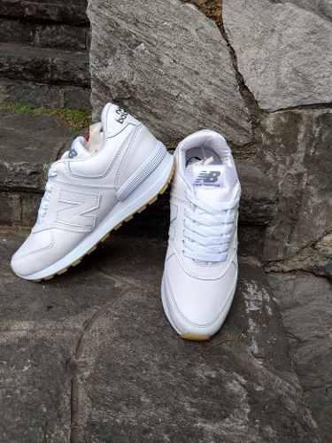 Zapatos deportivos blancos reebok y new balance