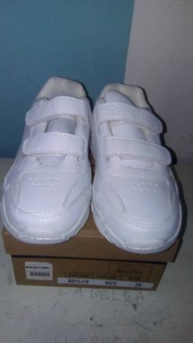 Zapatos escolares deportivos