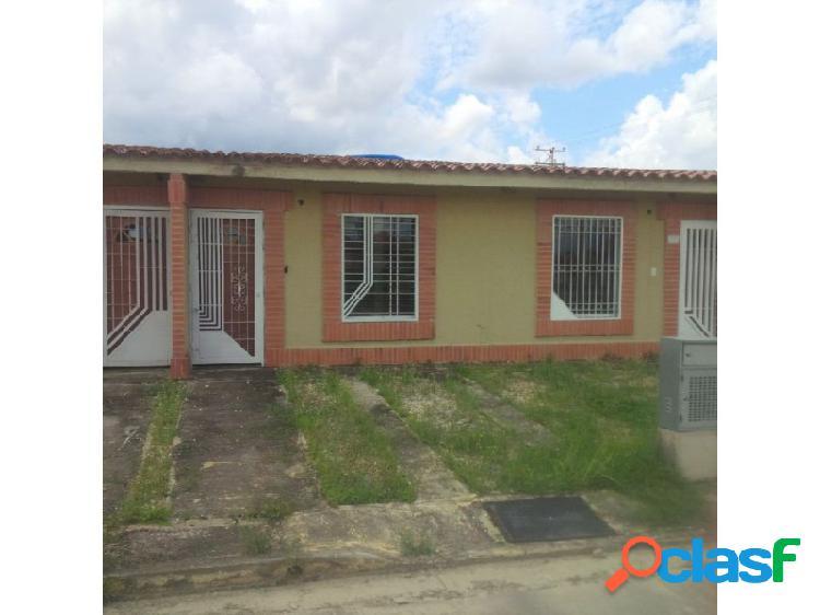 Comoda casa ubicada en la urbanización san pablo valley en el municipio libertador