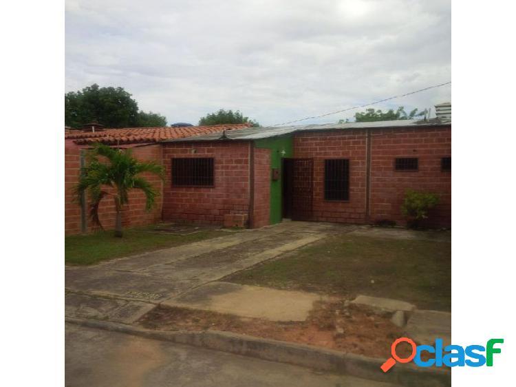 Comoda casa ubicada en tocuyito municipio libertador