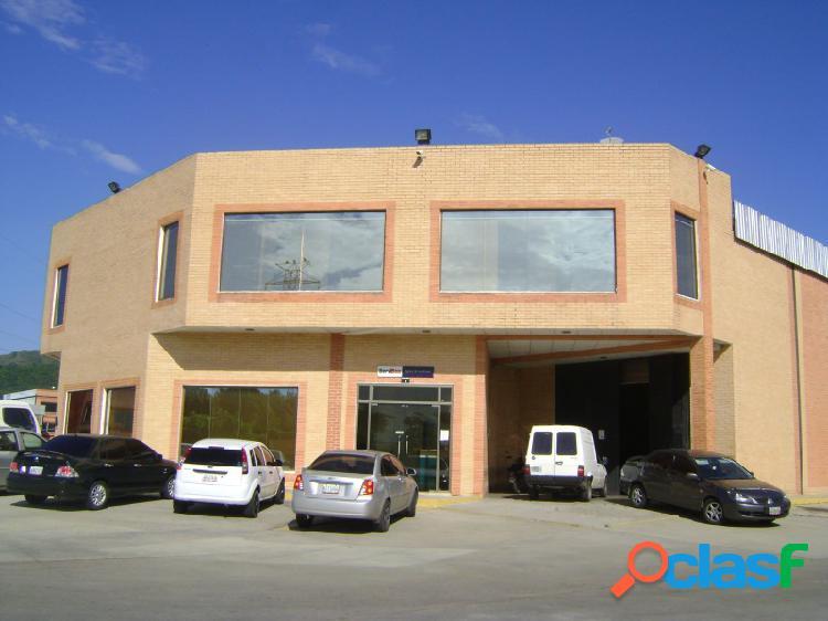 En venta galpón de 450 m2 condominio cerrado, con fondo de comercio envíos internacionales