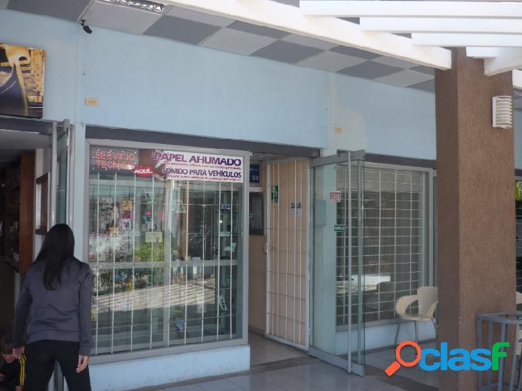 Excelente local comercial ubicado centro comercial galerías paraparal