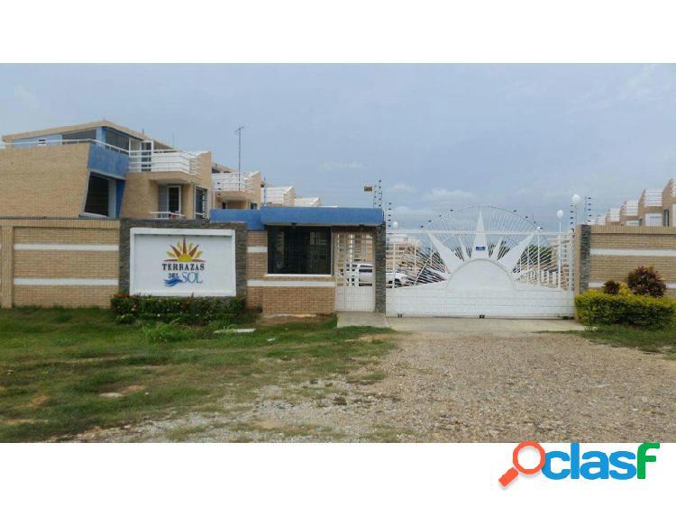 Excelente oportunidad de inversión en tonwhouse en el proyecto vacacional terrazas de sol, tucacas