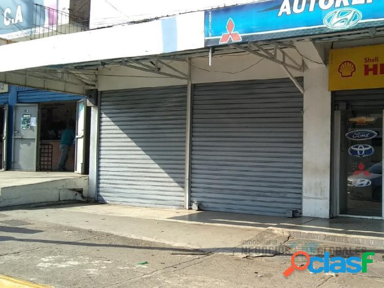 Local comercial en la avenida principal de castillito