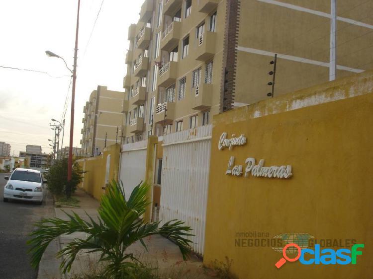 En venta apartamento en conjunto residencial las palmeras i