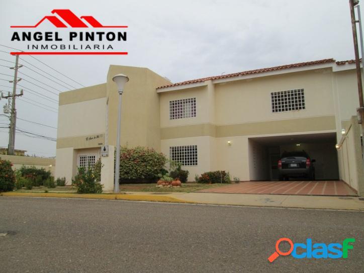 Villa cerrada venta av dr paul moreno maracaibo api 135