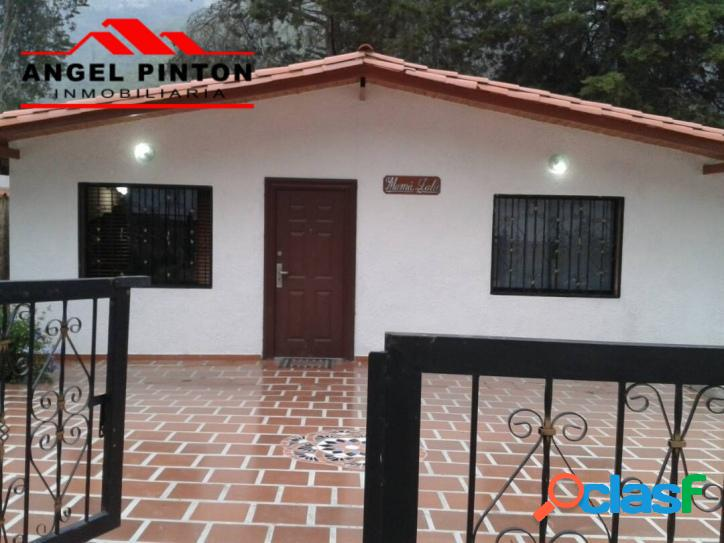 Villa cerrada en venta en la puerta api 594