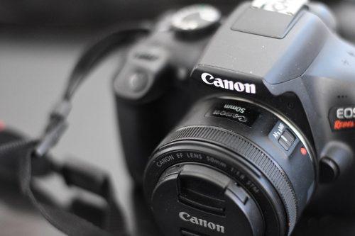 Camara dslr canon t6 + lente 50mm 1.8 + memoria 32gb !!!!!!!