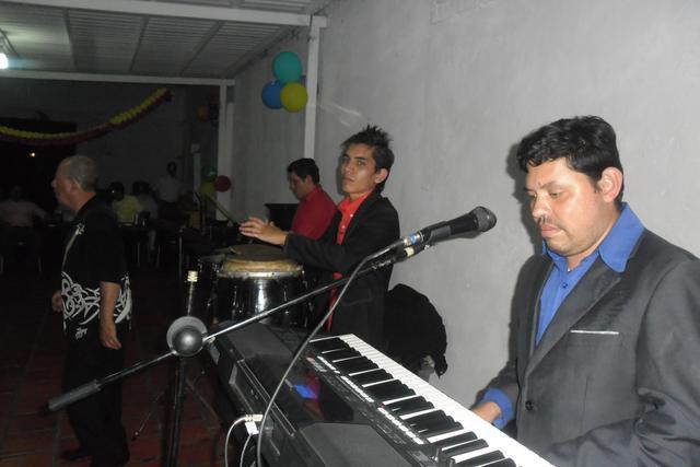 Grupo musical swing canela y trio sensación