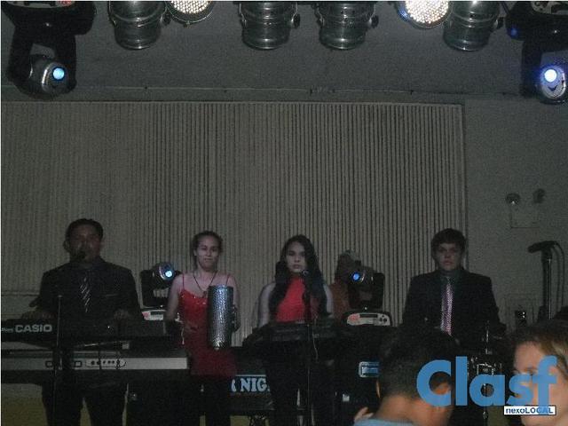 Grupo musical swing canela y trío sensación