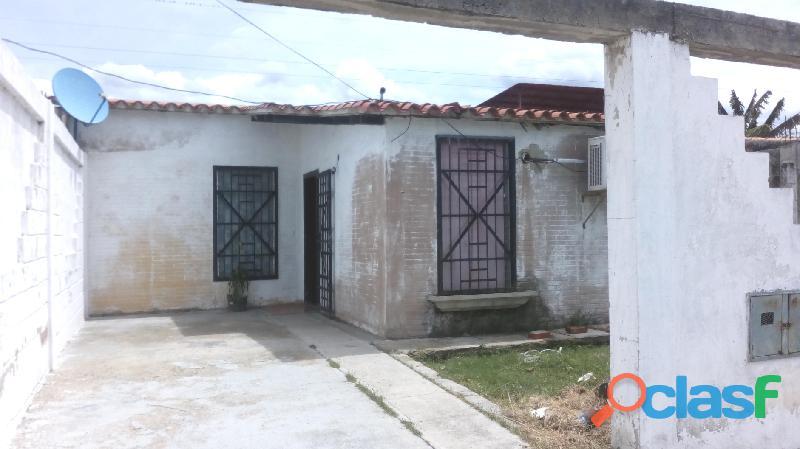 Casa de 80m2 en San Joaquin Urbanización El Guayabal 1