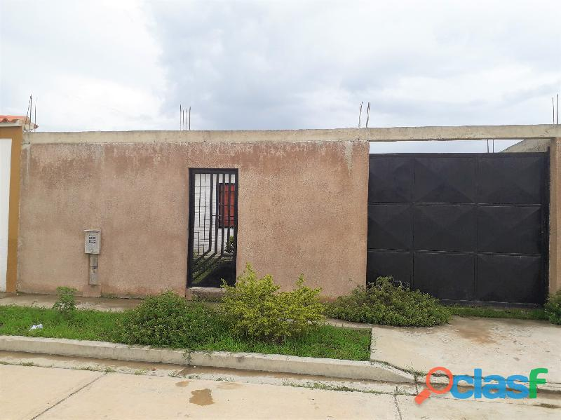 Casa de 70m2 en Urb. Valle Encantado, Residencias Ciprés, Vía Flor Amarillo