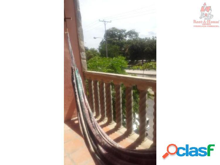 Casa con Local Venta Las Acacias ZPE19-9885