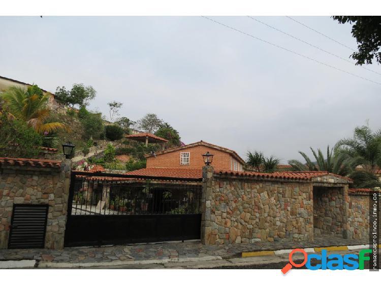 Bella y amplia casa en villas del rocío
